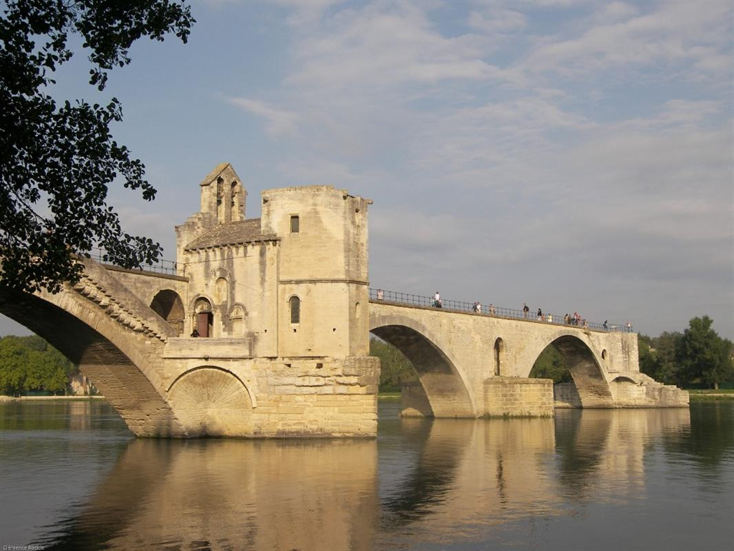 pont d'avignon provence jdv holidays south of france