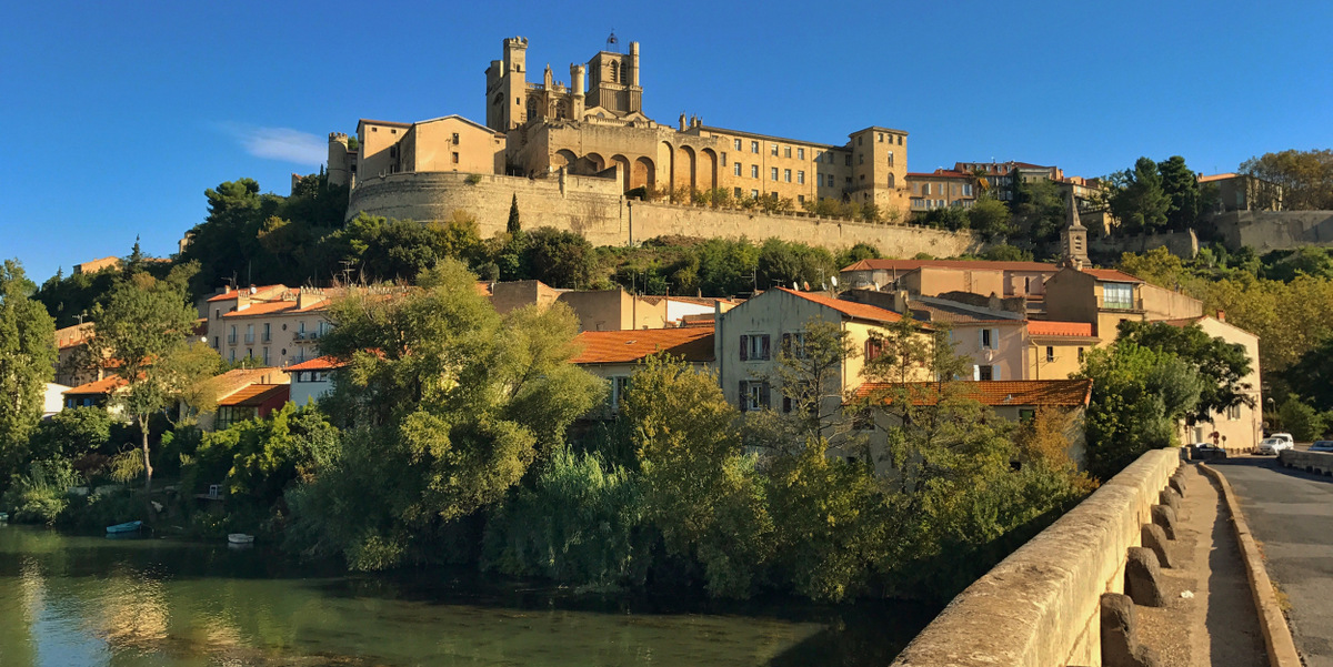 beziers languedoc roussillon jdv holidays south of france